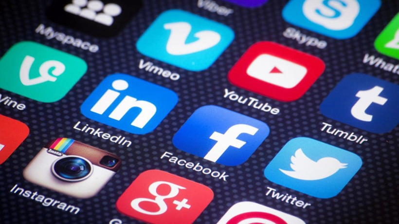 20141117180945-right-business-wrong-social-media-culture